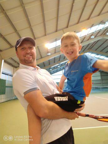 Теннис. Набор детей и взрослых.