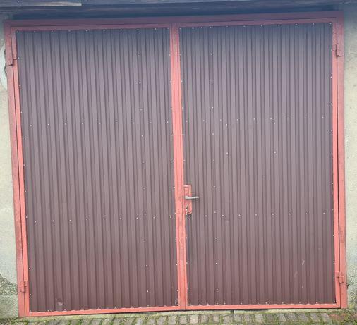 Drzwi garażowe / przemysłowe