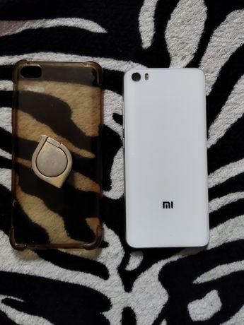 Xiaomi mi 5 telefon jest w dobrym stanie