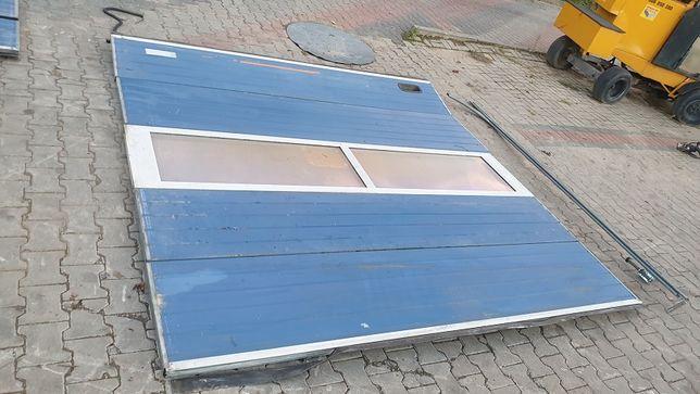 Brama garażowa segmentowa 2,85x2,80 wysoka ocieplana z oknem 3 szt