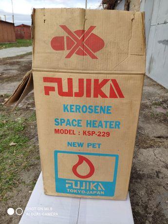 Керосиновая печка Fujika с запасными фитилями