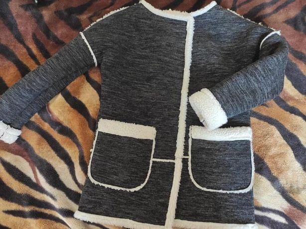 Стильное демисезонное пальто