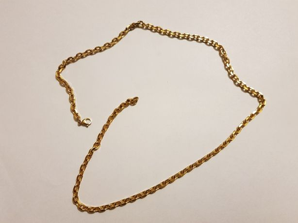 Łańcuszek koloru złotego