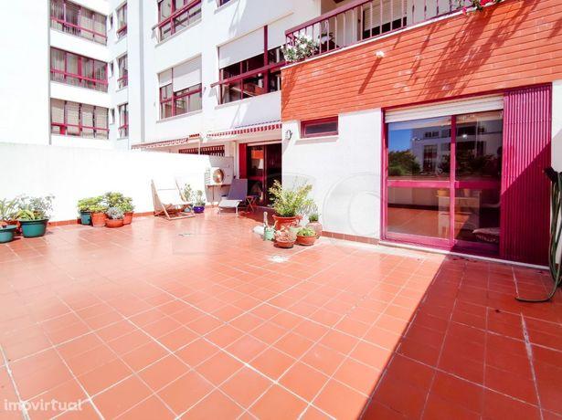 Apartamento T2 à venda em Oeiras Parque dos Poetas