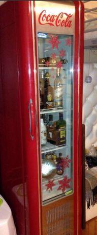 Холодильник в стиле ретро.