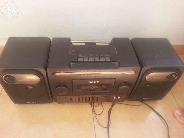 Rádio com cassetes