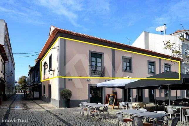 Moradia T14 (1ºandar+sótão) no Rossio na zona histórica de Aveiro