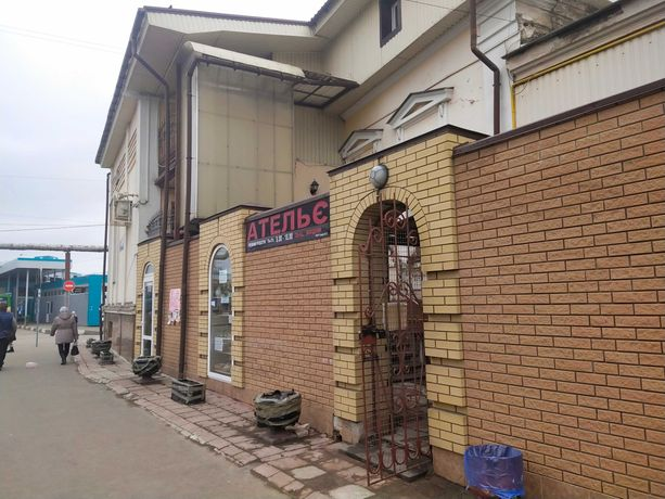 продам гостинку 2 мин от метро Центральный Рынок .