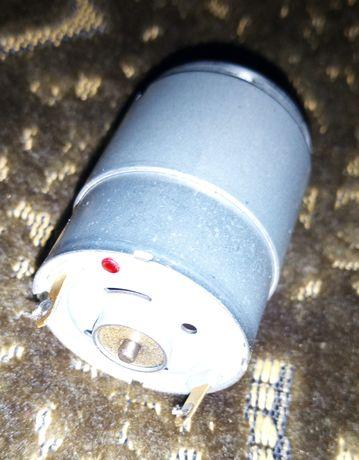 Электрический двигатель 12вольт
