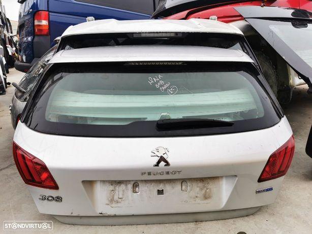 Tampa da mala Peugeot 308 do ano 2015
