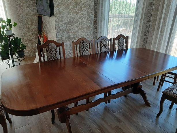 Продам комплект кухоной мебели из натурального дерева