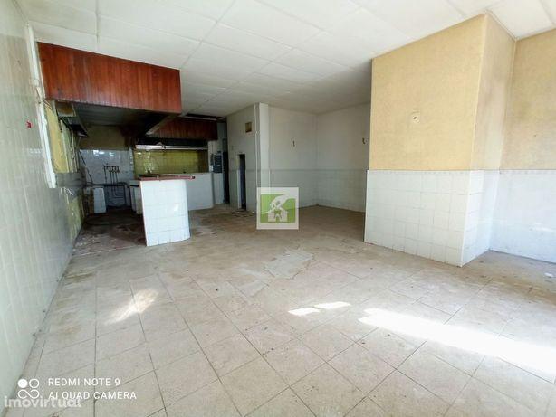 Casa com loja centro de Faro