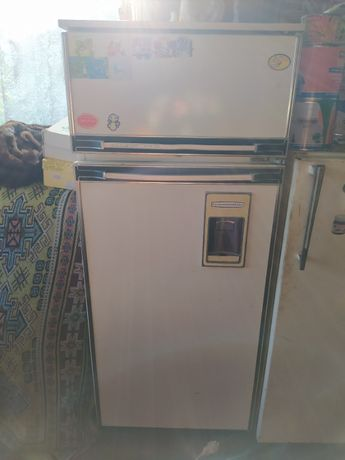 Продам холодильник ( 6000 руб)