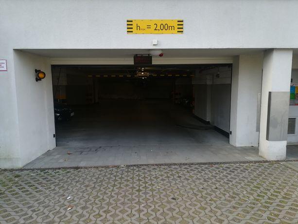 Wynajmę wygodne miejsce postojowe w hali garażowej ul. Przytulna 36