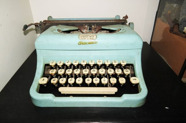 Máquina escrever ALBA anos 60