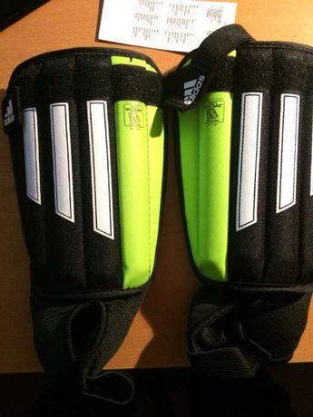 Ochraniacze nagolenniki Adidas r..S 10-13 lat