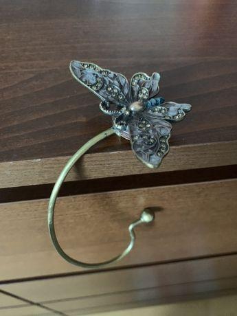 Poekny wieszak do torebki w ksztalcie motyla