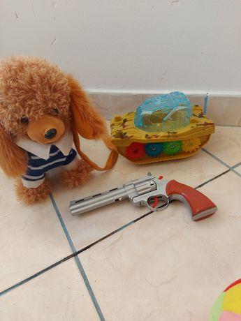 Zabawki piesek lalka dora itd