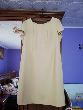 Sukienka beżowa rozm 50