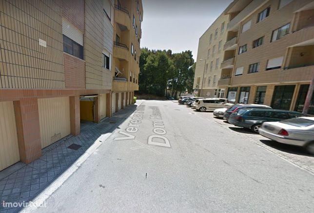 Garagen e estacionamento em Vila Nova de Gaia, Mafamude