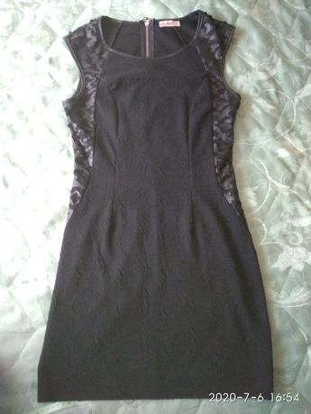 Маленьке чорне плаття 44 розмір