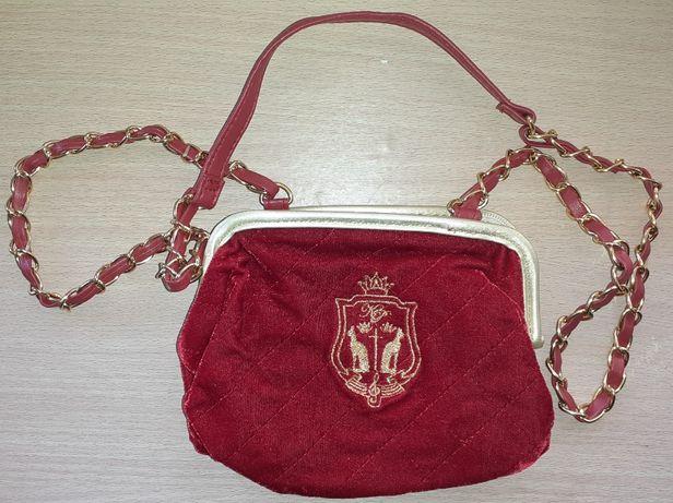 Czerwona torebka Katy Perry