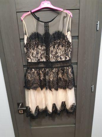 Sukienka z koronką 38