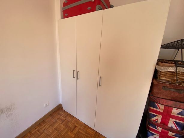 Roupeiro com 3 portas - IKEA