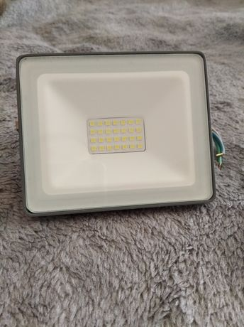 Halogen lampa led 20W Luminova