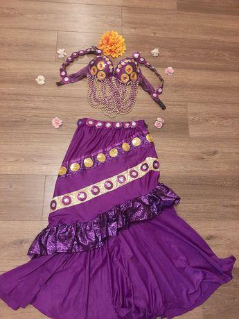 Дизайнерский  костюм  для  восточных  танцев