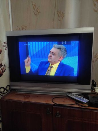 Телевизор LG кинескоп плоский