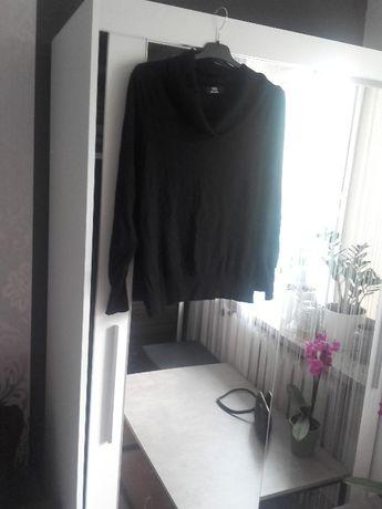 Czarny sweterek golf Marks&Spencer L