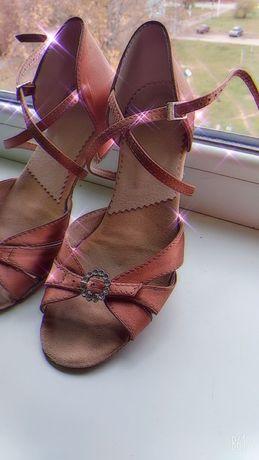 Туфли для спортивных бальных танцев,блок каблук, стелька 23 см