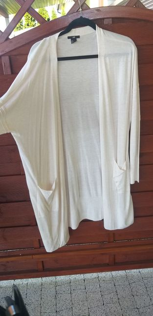 Lekki biały sweterek