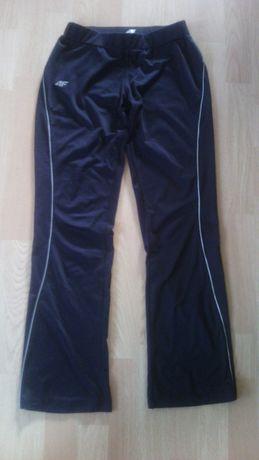 Spodnie Sportowe 4 F__ rozm. 152/158 cm
