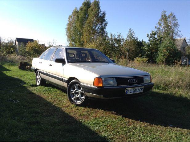 Продам Audi 100 c3 1986р в задовільному стані.