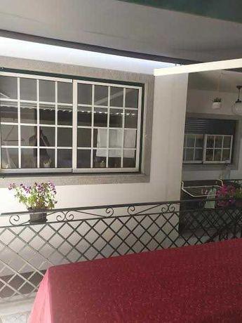 Janelas e porta sacada de varanda em alumínio com vidro duplo