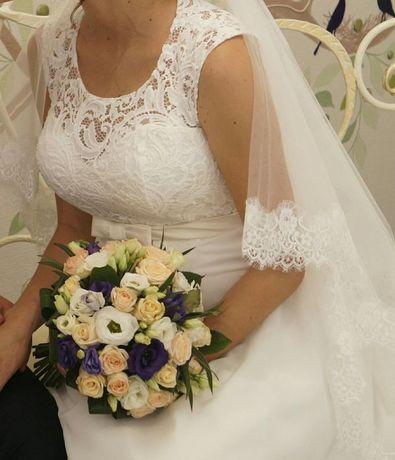 Свадебное платье с кружевом! Кольца в подарок