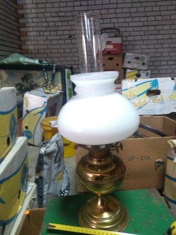 Stara lampa naftowa dwuknotowa z wygaszaczem