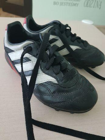 Buty korki czarne