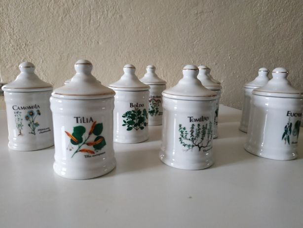 Conjunto de 10 potes em loiça para ervas