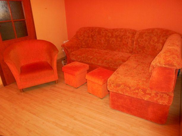 Komplet mebli kanapa narożna rogówka fotel dwie pufy