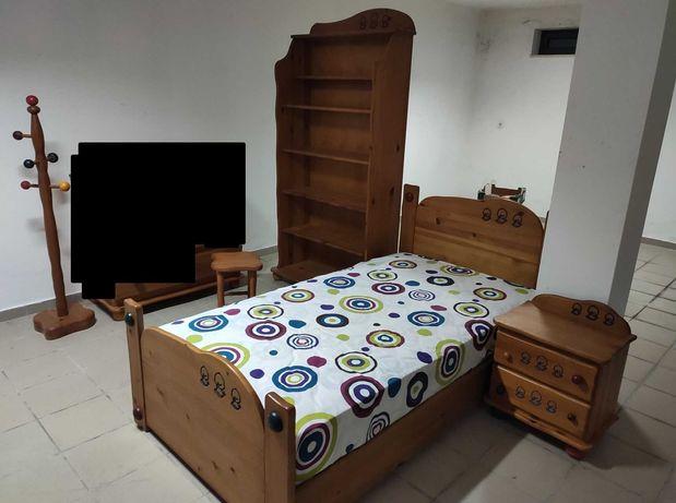 Conjunto de móveis para quarto de criança