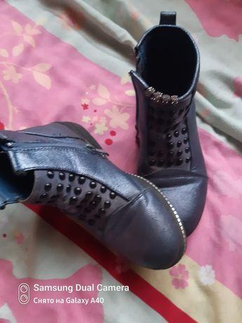 Батинки на девочку