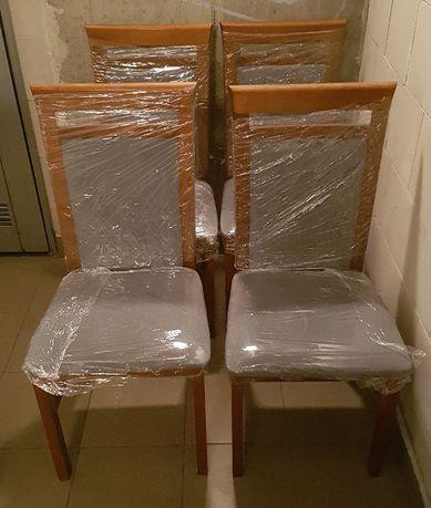 4 krzesła drewniane, tapicerowane, stan bardzo dobry