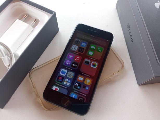 iPhone 8 64 GB, bateria 83%, wygląda prawie jak nowy, ekran bez ryski