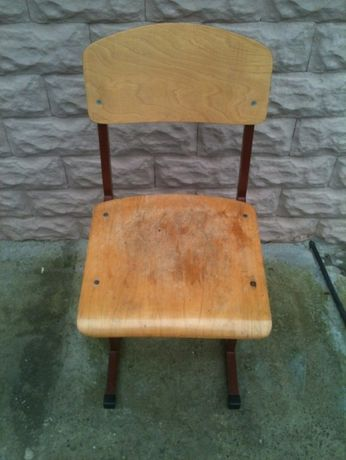 Продам стільчик зі спинкою
