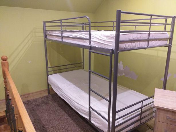 Łóżko piętrowe plus materace