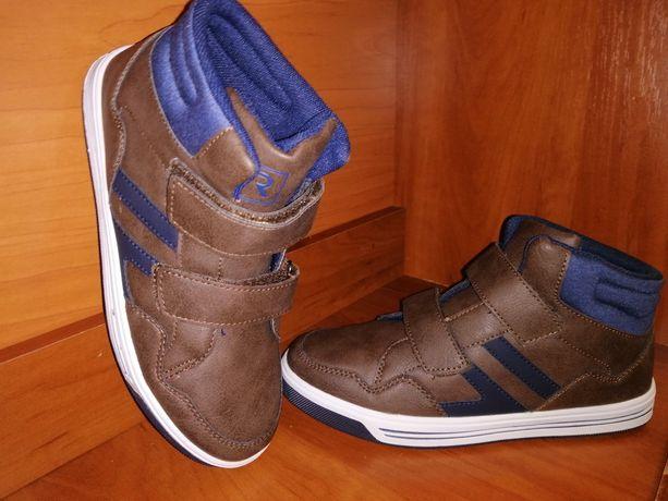 Кроссовки.( Ботиночки) 36 размер