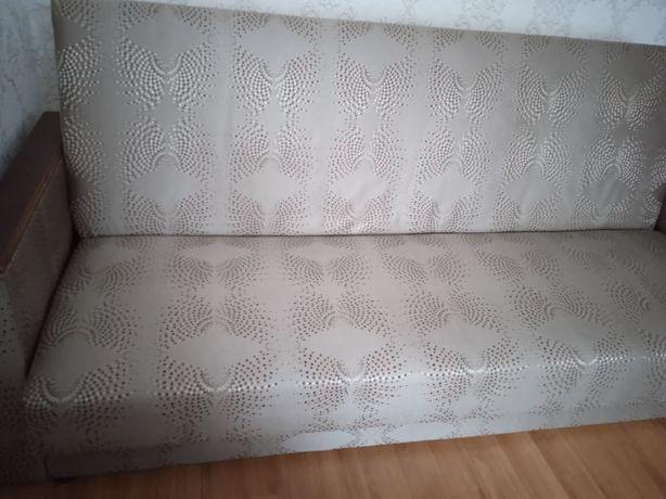 Продам двухспальный диван